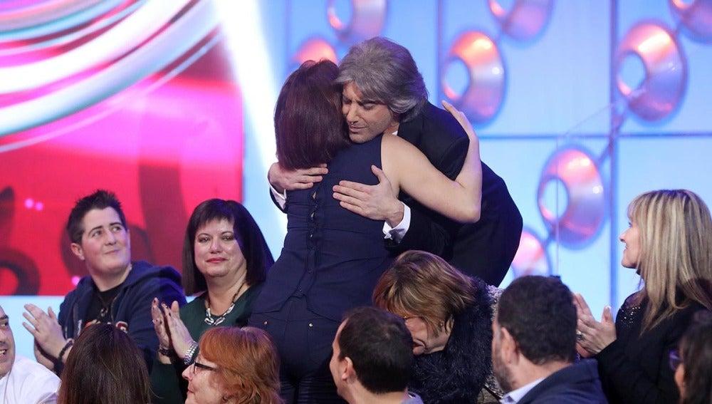Blas Cantó emociona a su madre tras su actuación