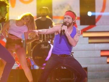 """Canco Rodríguez nos pone a bailar con el tema """"Moving"""" de Macaco"""