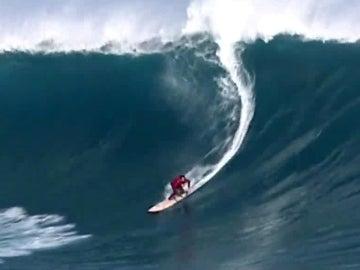 Un surfista, en la ola