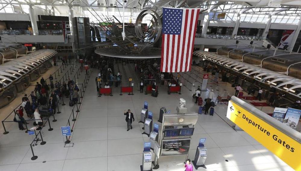 Refugiados en el aeropuerto de EEUU