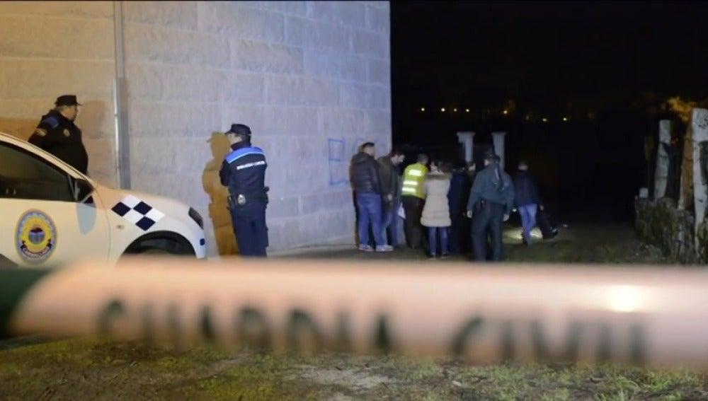 Frame 14.948065 de: Una mujer, asesinada a cuchilladas presuntamente por su marido en O Carballiño