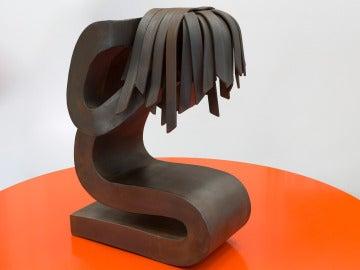 Escultura 'Víctima' creada por Fernando Clavo Sanz como memorial a las víctimas de la violencia doméstica
