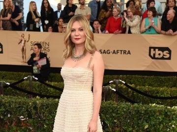 Kirsten Dunst, con un precioso vestido