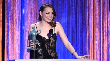Emma Stone recoge su premio SAG