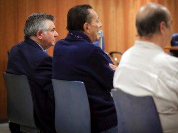 El exalcalde de Marbella Julián Muñoz y el exasesor urbanístico Juan Antonio Roca durante el juicio en la Audiencia Provincial de Málaga