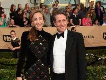 Anna Eberstein y Hugh Grant