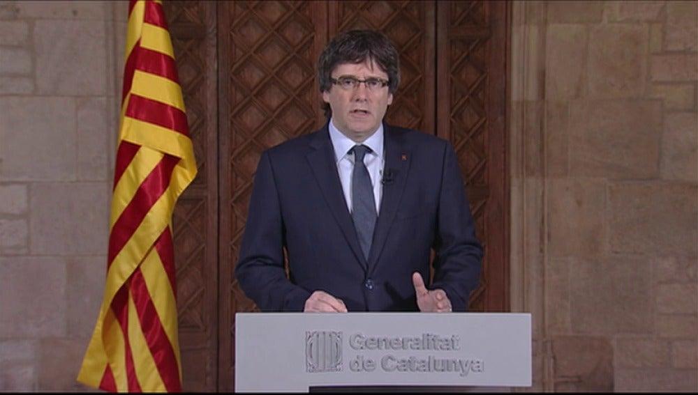 """Frame 0.0 de: Puigdemont, sobre el juicio contra Artur Mas, Joana Ortega e Irene Rigau por el 9-N: """"Hoy muchos nos sentimos juzgados"""""""