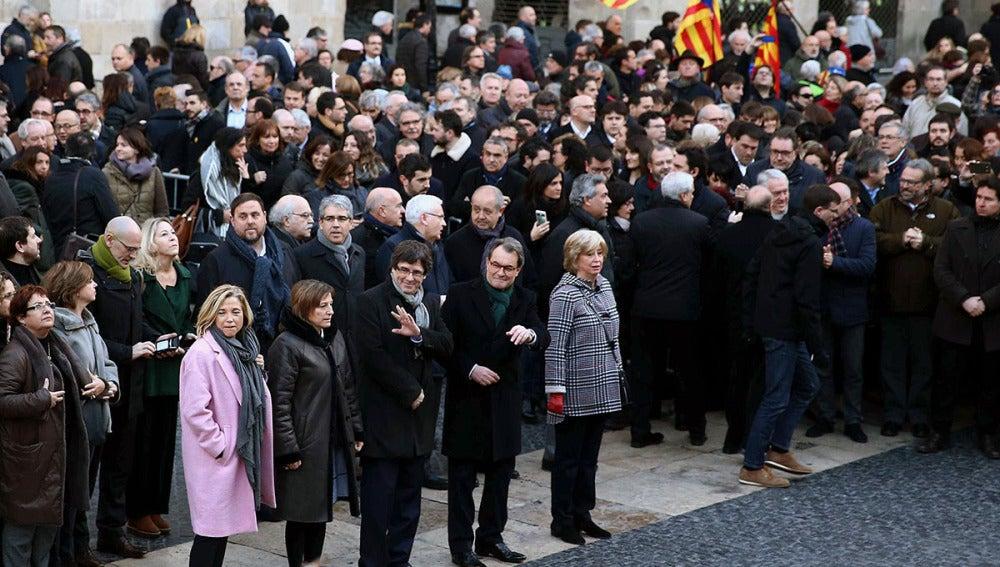 Puigdemont y Forcadell acompañan a Mas, Ortega y Rigau