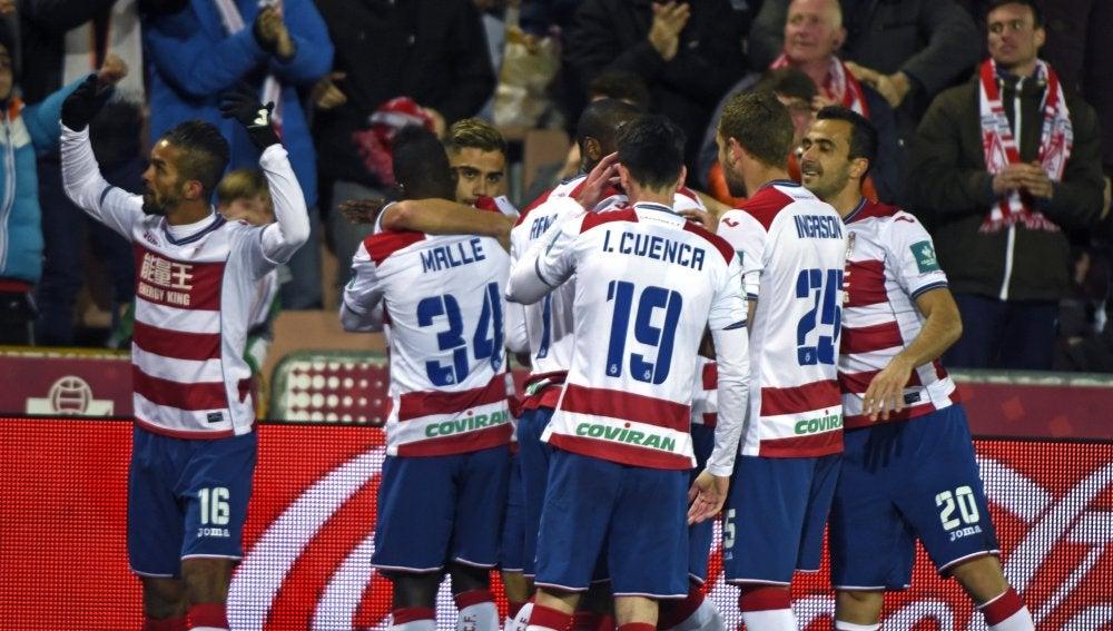 Los jugadores del Granada celebrando el gol frente a Las Palmas