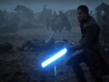Frame 58.746118 de: ¿Cómo serían las batallas de 'Juego de Tronos' con sables jedi de 'Star Wars'?