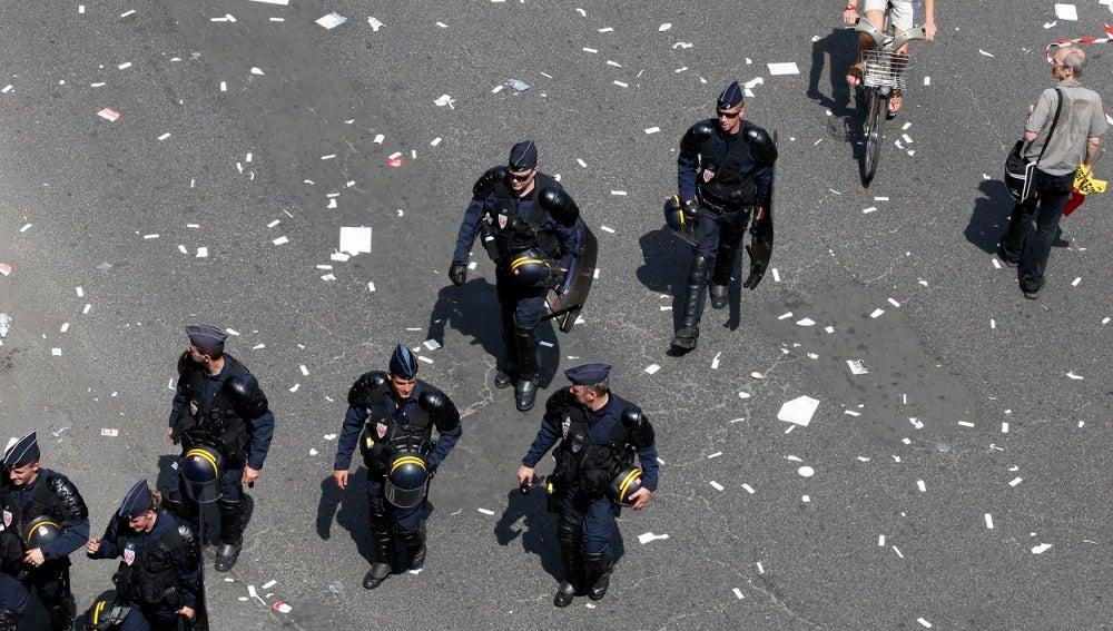 Varios policías en Francia