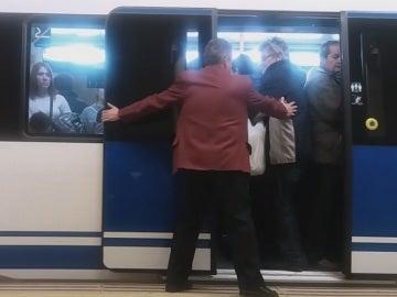 """""""Personal de refuerzo"""" en el Metro de Madrid"""