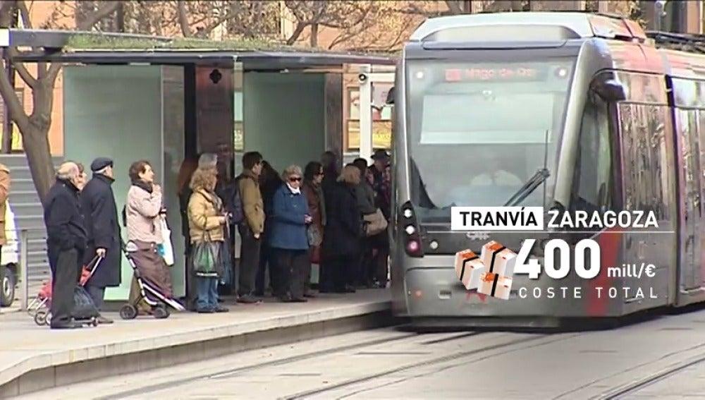 Frame 12.92531 de: El tranvía de Zaragoza se une a otros ejemplos de despilfarro
