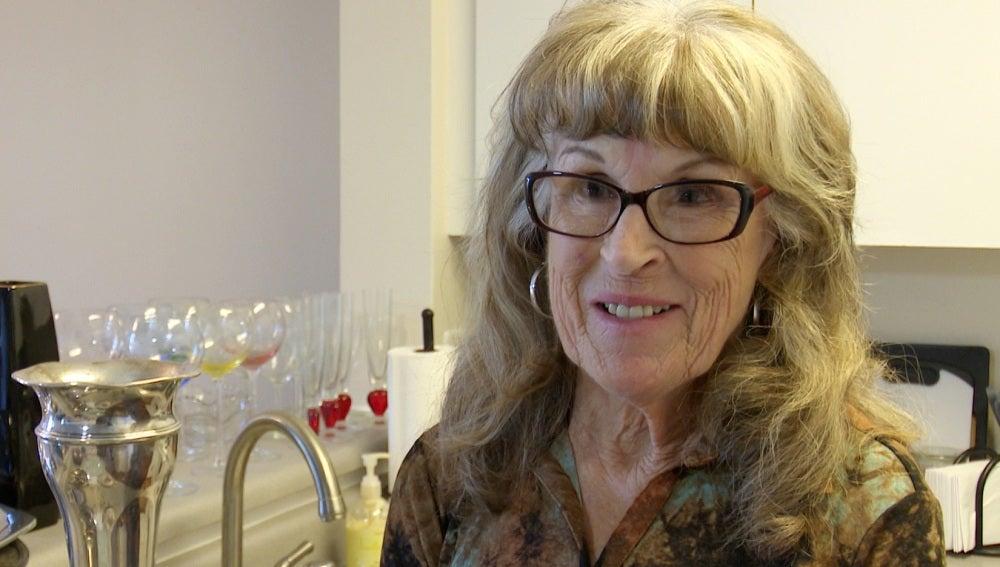 Gayle McCormick posa durante la entrevista