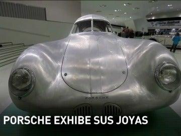 Frame 1.762965 de: El Museo Porsche muestra los coches deportivos más significativos