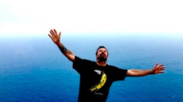 Pau Donés anunciaba con esta foto que estaba limpio de cáncer