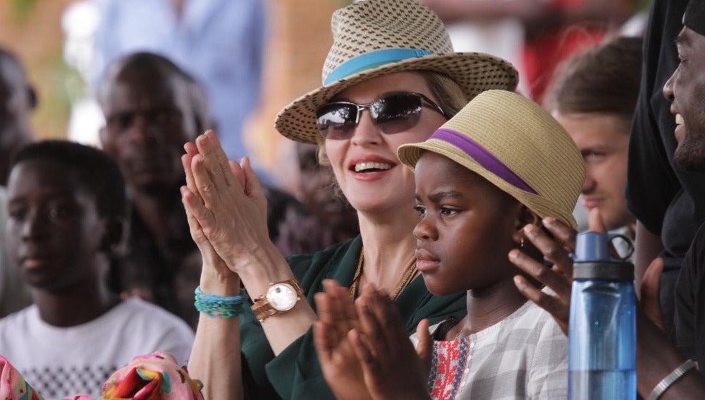 Madonna y su hija