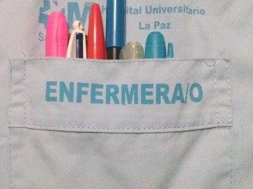 Bata de un enfermero del Hospital La Paz