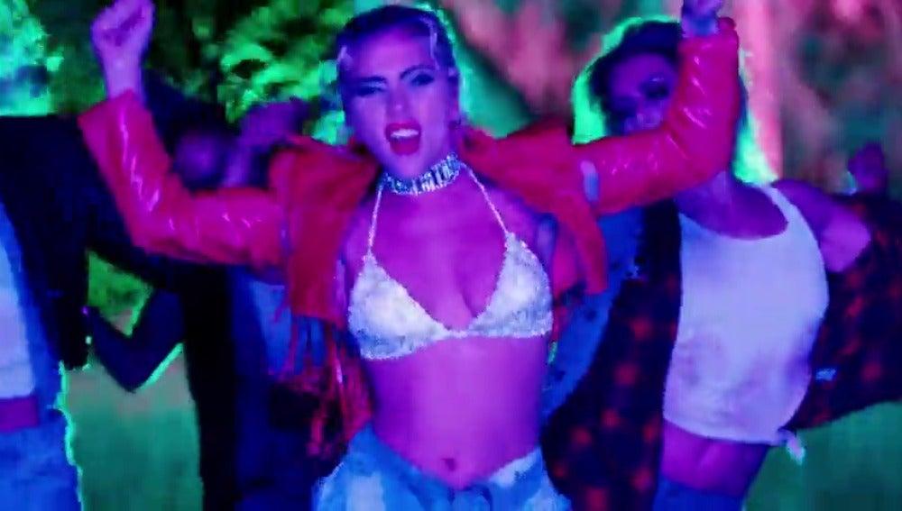 """Frame 37.644444 de: Lady Gaga sorprende con su lado más salvaje en su nuevo vídeoclip """"John Wayne"""""""