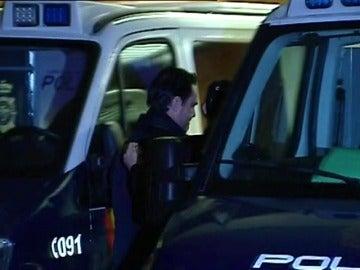 """Frame 10.670377 de: El yerno de la viuda de la CAM a la Policía en su detención: """"Hace tiempo que os estaba esperando"""""""