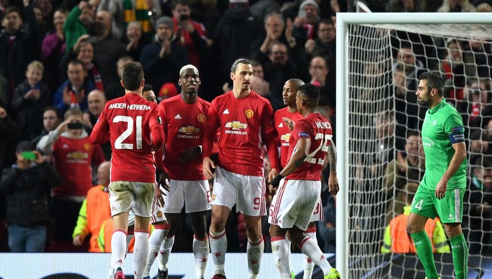 Ibrahimovic celebra un gol para el United