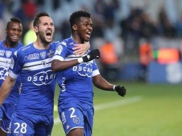 Los jugadores del Bastia celebran un gol ante el Mónaco