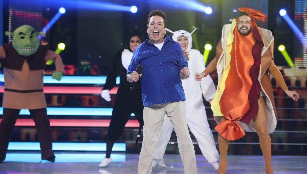 Juan Muñoz nos hace creer en el amor como un bailongo Smash Mouth