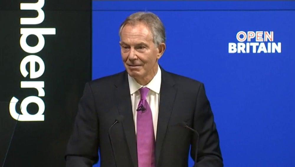 Frame 12.464026 de: El exprimer ministro quiere que los británicos se rebelen contra la salida
