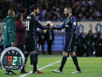 Morata entra al campo por Benzema
