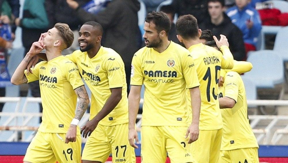 Samu Castillejo celebra su gol ante la Real Sociedad