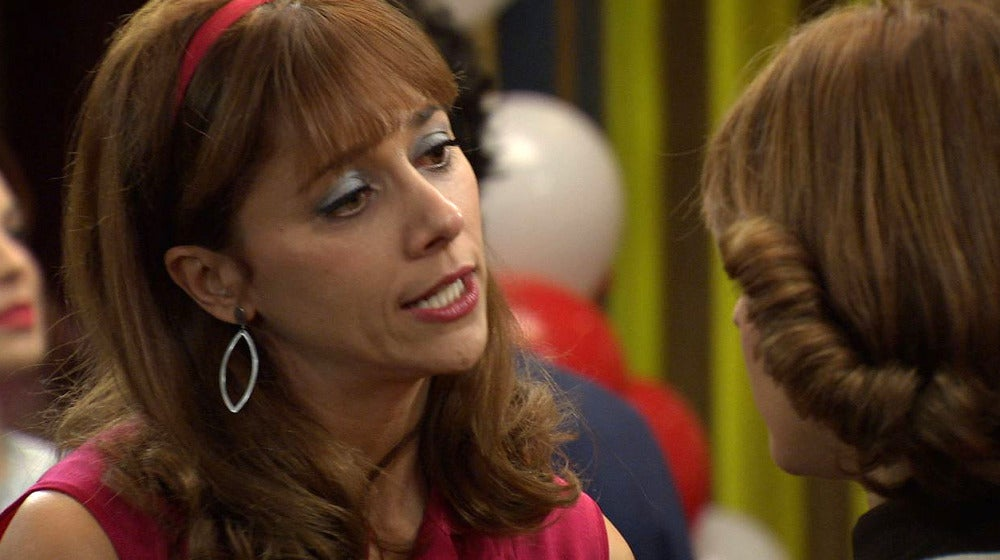 Henar presiona a Nuria para que confiese sus verdaderos sentimientos hacia Jaime