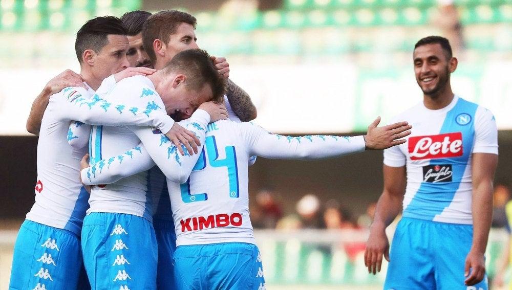 El Nápoles celebrando uno de los goles