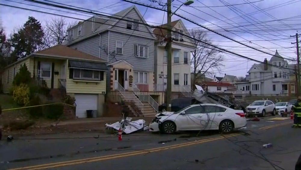Frame 5.390013 de: Se estrella una avioneta en un barrio residencial en Nueva Jersey