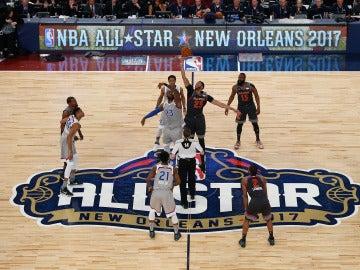 Momento del salto inicial que daba comienzo al All Star Game