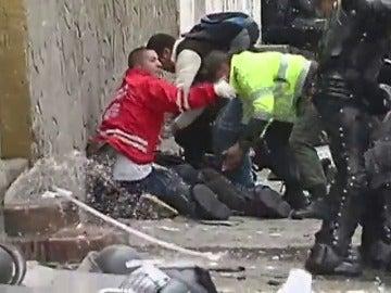 Frame 10.33835 de: Al menos 26 heridos en una explosión cerca de la plaza de toros de Bogotá