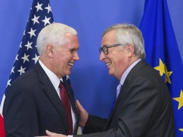 Reunión de Juncker y Pence en Bruselas
