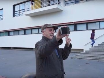 Juan José Cañas, el abuelo youtuber de 80 años