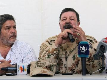 Luis Alberto Albán y el jefe del comando estratégico de transición, Javier Florez