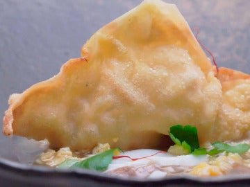 Wanton pollo pepitoria y crestas