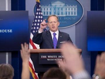 El portavoz de la Casa Blanca, Sean Spicer, durante la rueda de prensa diaria en la Casa Blanca en Washington, Estados Unidos