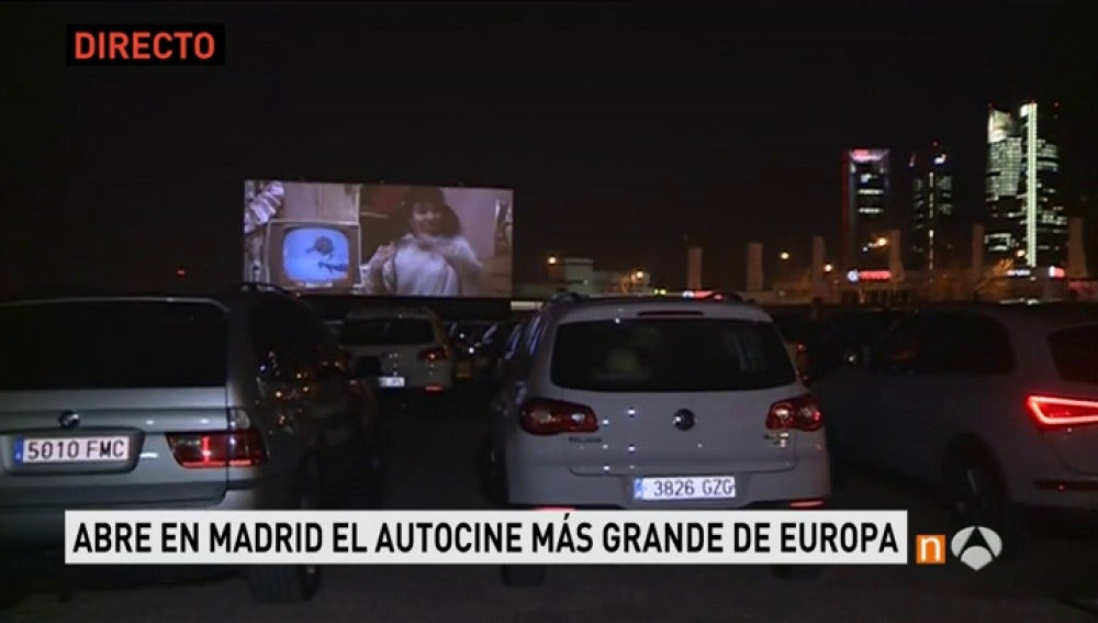 Frame 75.936666 de: 'Grease' inauguara el primer autocine de Madrid con capacidad para 300 coches y 250 metros cuadrados de pantalla