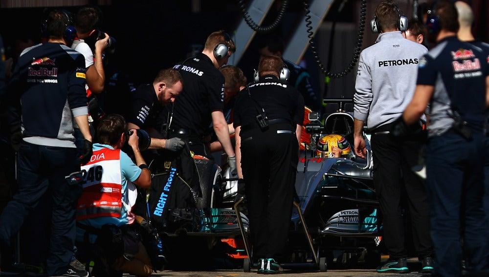 El Mercedes de Hamilton, en Montmeló