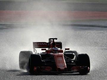 Vandoorne, sobre mojado en el circuito de Montmeló