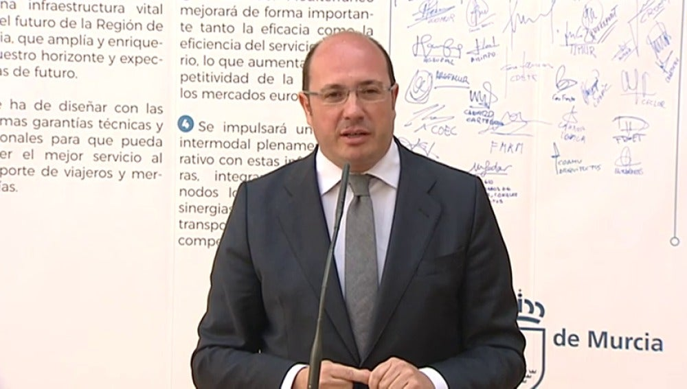 Frame 23.049552 de: Presidente de Murcia: ¿cuesta tanto esperar 72 horas para aclararlo?