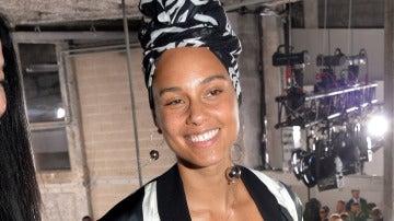 Alicia Keys sin maquillar por la campaña #NoMakeUp
