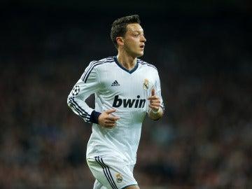Özil en un partido con el Real Madrid