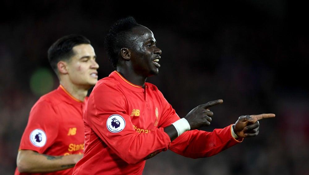 Sadio Mané celebra uno de sus goles con el Liverpool