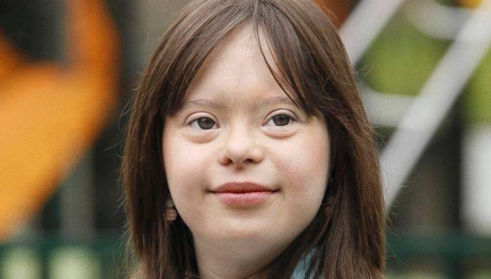 una joven con sindrome de Down cumple su sueño