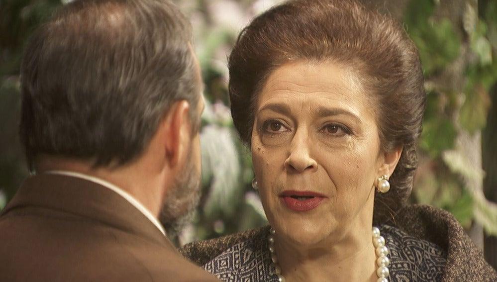 La boda entre Francisca y Raimundo, amenzada por un atentado