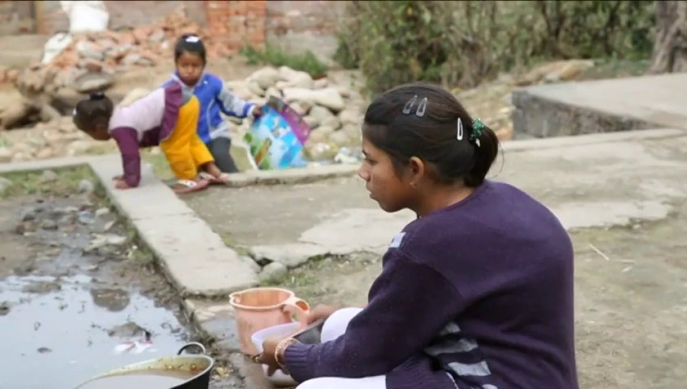 Frame 51.015803 de: La OMS avisa de que la contaminación provoca la muerte de 1,7 millones de niños cada año